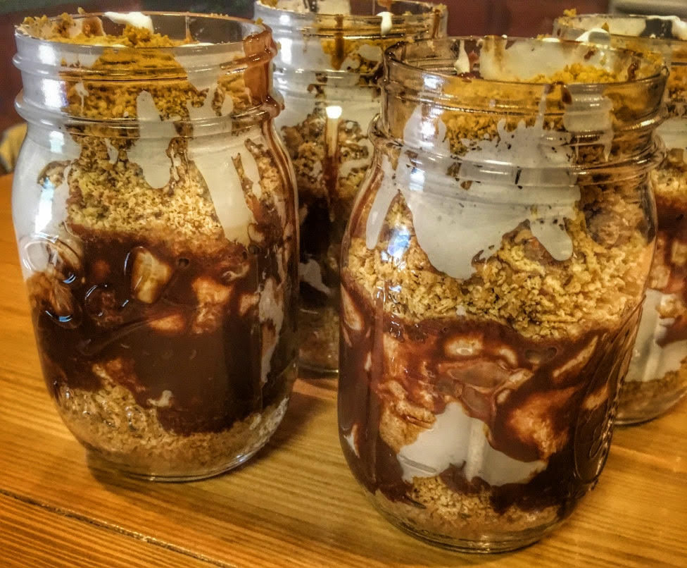 s'mores with a twist ~ #PinterestFail. S'mores. Summer. Campfire. Chocolate. Dessert. Recipe. Mason Jars. Recipe.