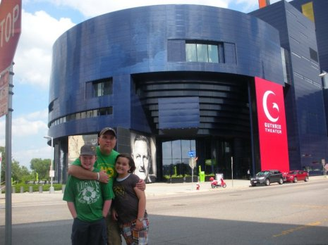 Guthrie Theater. Minneapolis. Road tripping with the kids: why drive when you can fly? Travel. Family. Minnesota.
