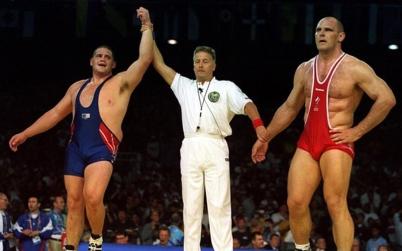 Rulon Gardner upsets Russia's Karelin
