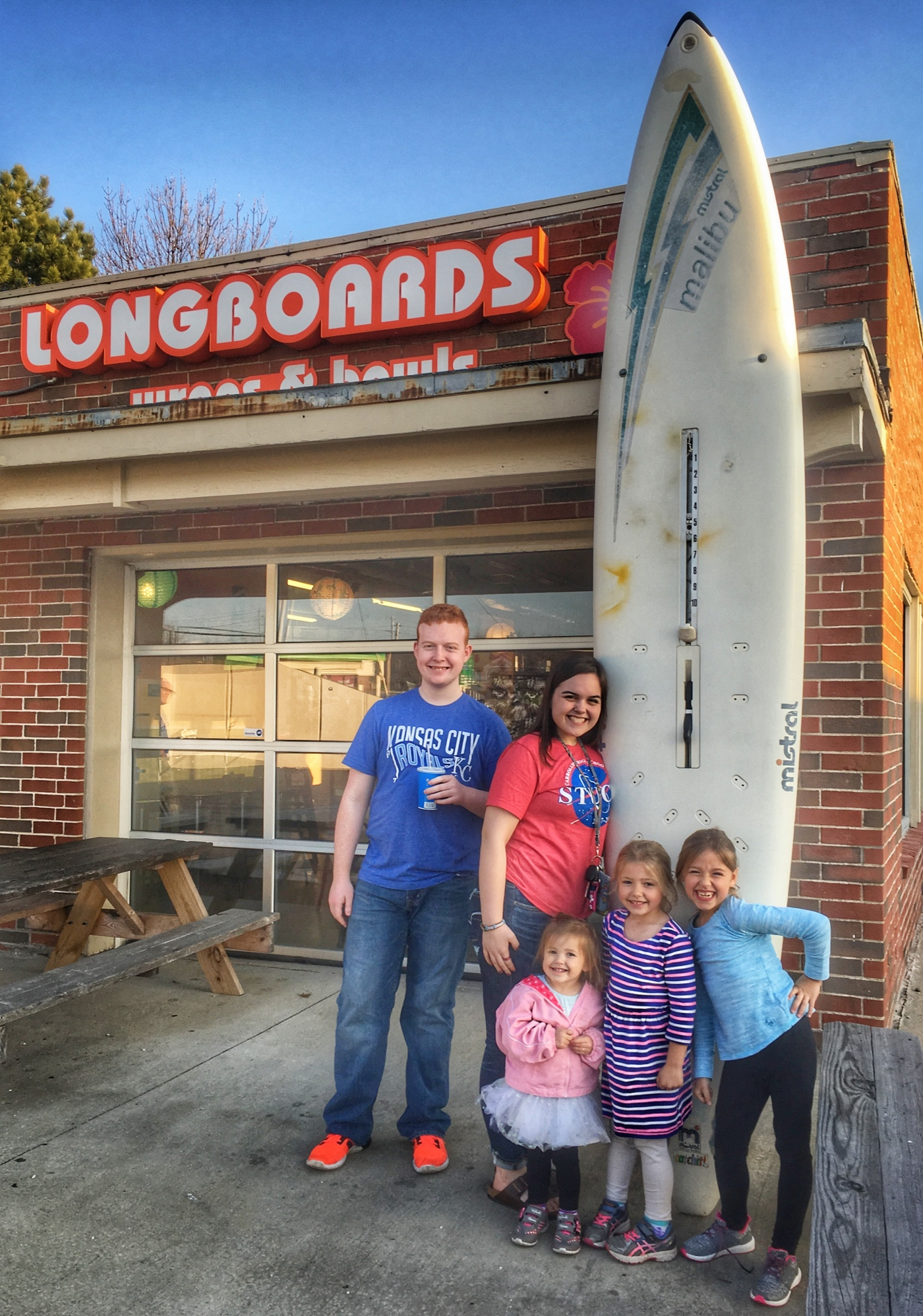 Local Gems: Longboards wraps and bowls. Kansas City. Restaurant. Foodie. Missouri. Travel.